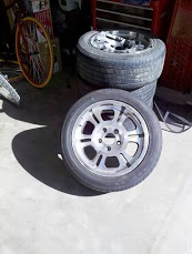 4 x goodyear tires and custom Rims