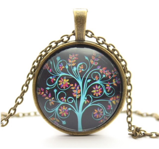 Loovio Jewelry: blue tree